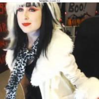 Vampette Cruella DeVille Not Disney Cam