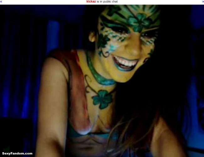 Kickaz St Patty Patricks Day Shamrock Bodypainting cam