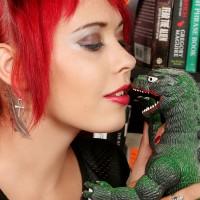 Godzilla vs Scarlet Starr