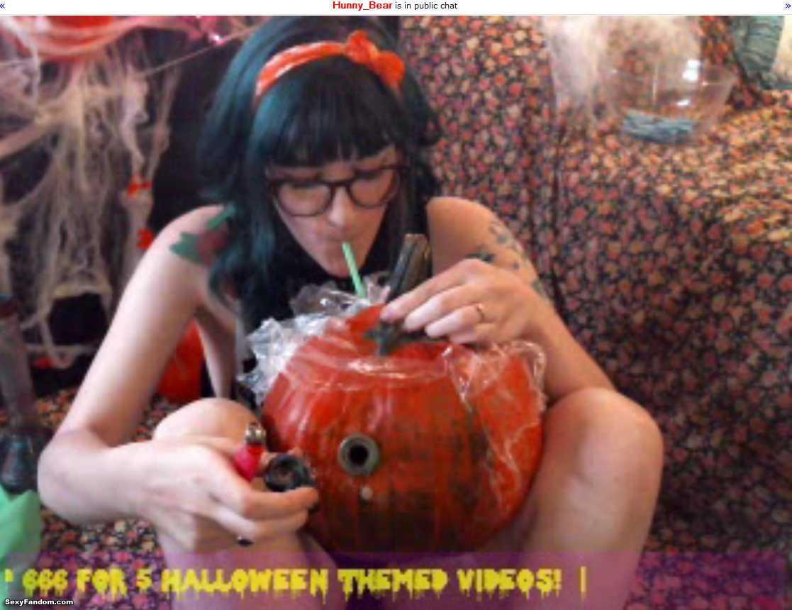 hunnybear pumpkin bong cam