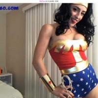 Wonder Woman Likes Elf Chicks