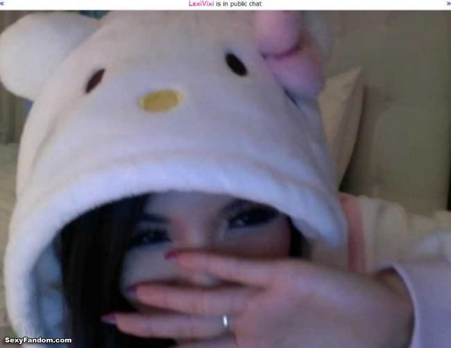 lexivixi hello kitty kigurumi cam