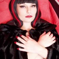Vampire Nina Sinn Invites You To Spend The Night