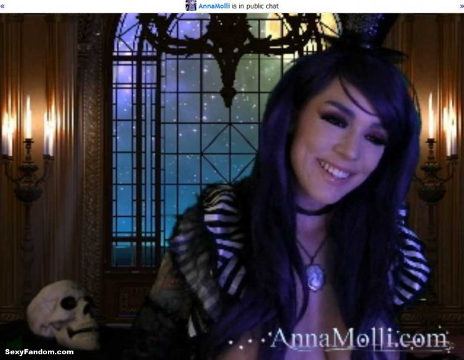 anna-molli-returns-to-dark-castle-cam-001
