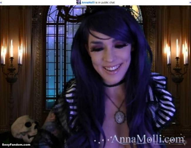 anna-molli-returns-to-dark-castle-cam-002