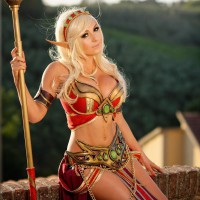 World of Warcraft's Blood Elf Mage by Jessica Nigri