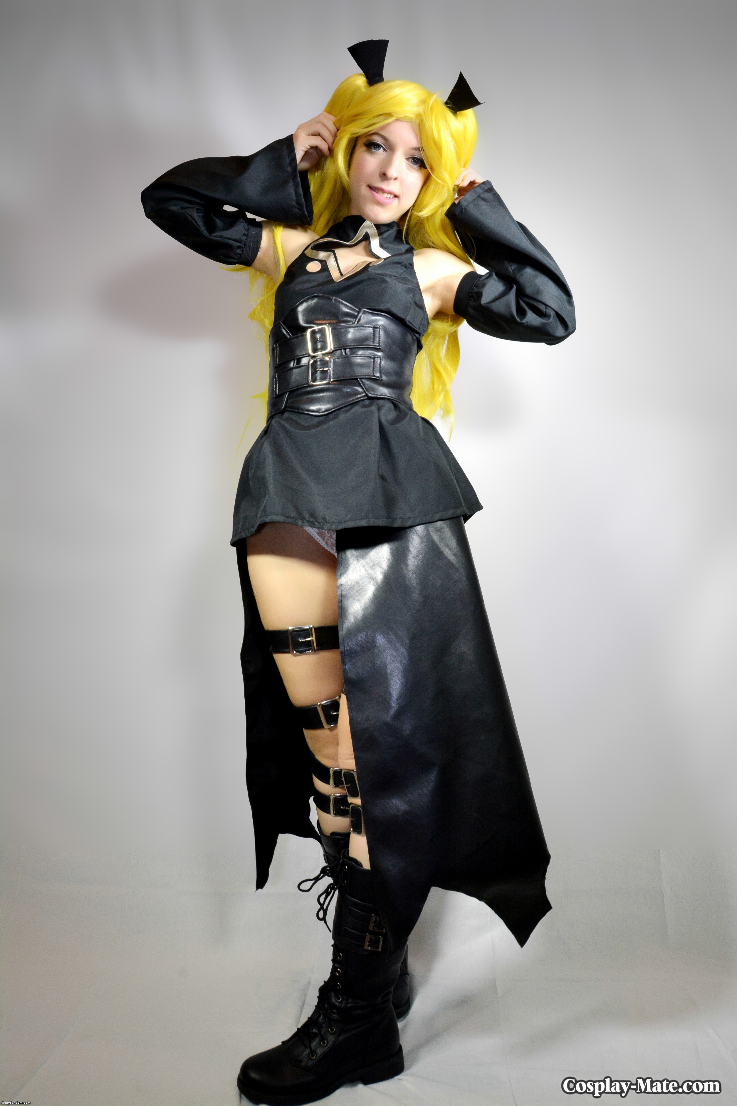 golden darkness cosplay