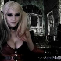 Anna Molli Cosplays Harley Quinn