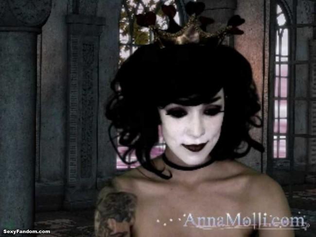 anna-molli-queen-of-hearts-cam-003