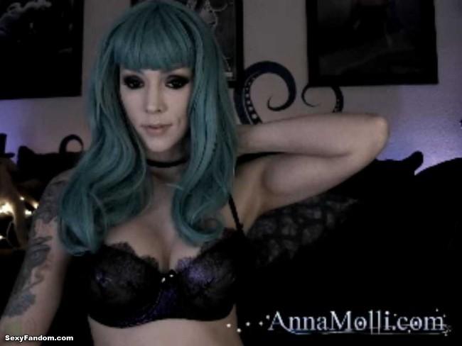 anna-molli-teal-cam-001