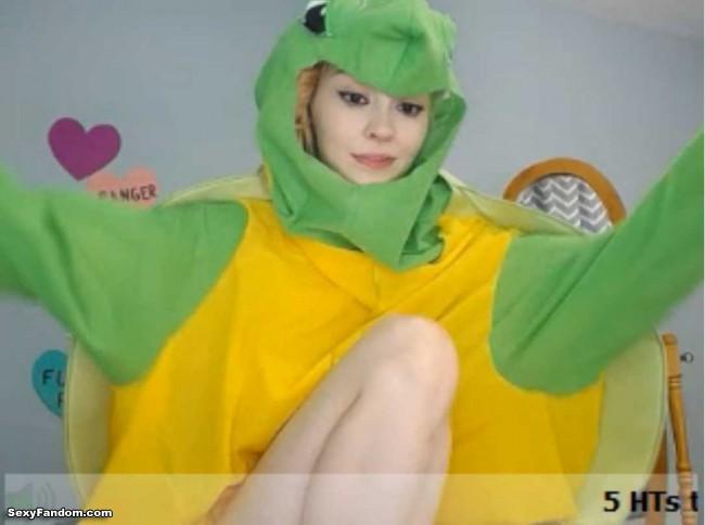 natalia-grey-turtle-cam-003
