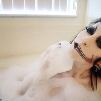 Ravishing Zombie RazorCandi Enjoys A Sensual Bubble Bath
