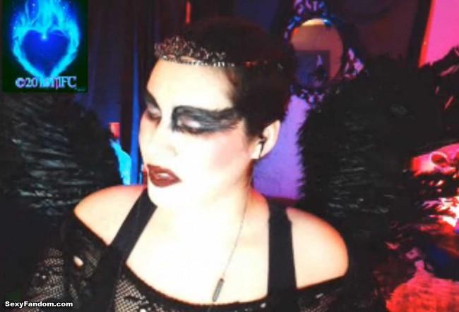 queen-of-metal-black-swan-cam-003