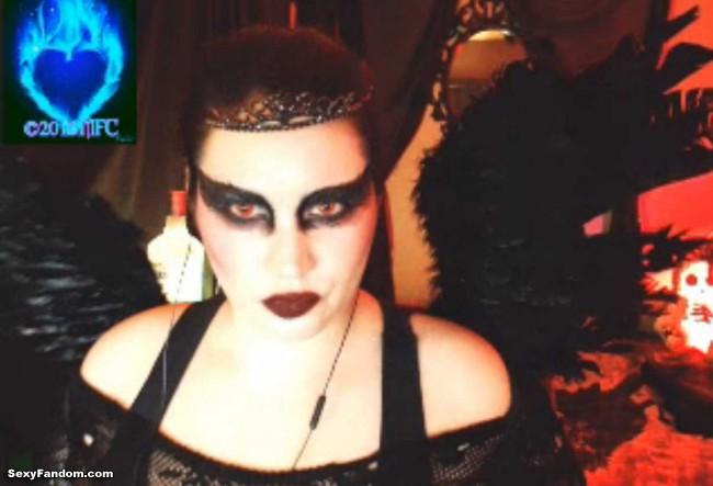 queen-of-metal-black-swan-cam-004