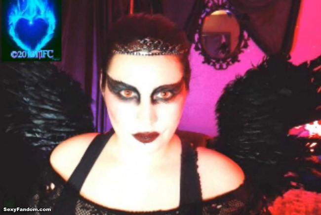 queen-of-metal-black-swan-cam-008