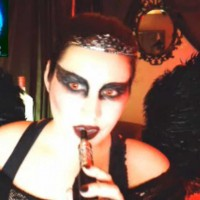 Queen of Metal Black Swan Cosplay