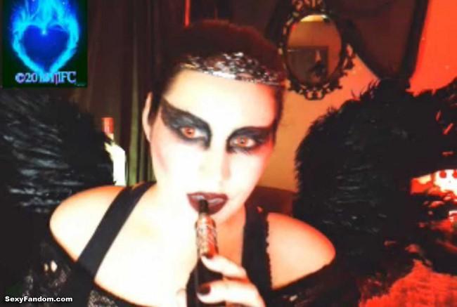 queen-of-metal-black-swan-cam-009