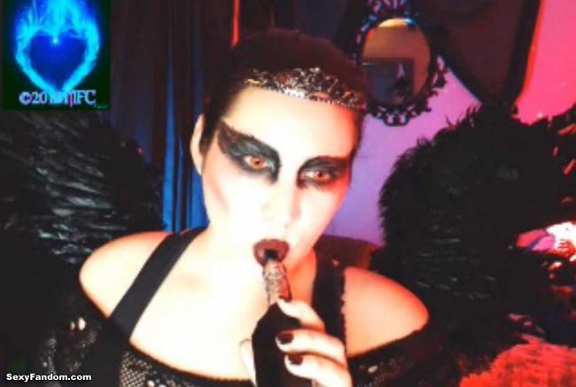 queen-of-metal-black-swan-cam-010