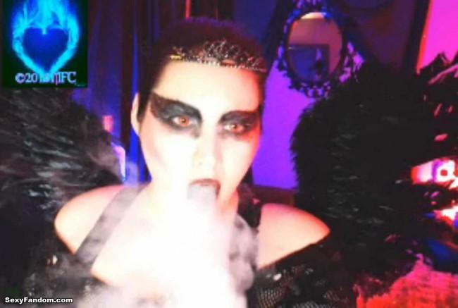 queen-of-metal-black-swan-cam-011
