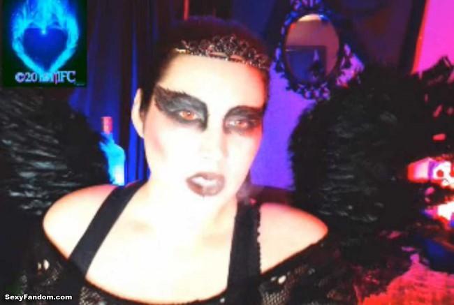queen-of-metal-black-swan-cam-012