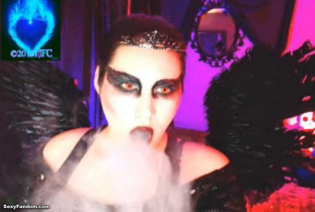 queen-of-metal-black-swan-cam-014