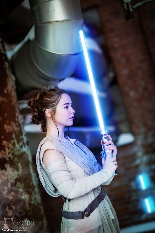 Starbit as Rey