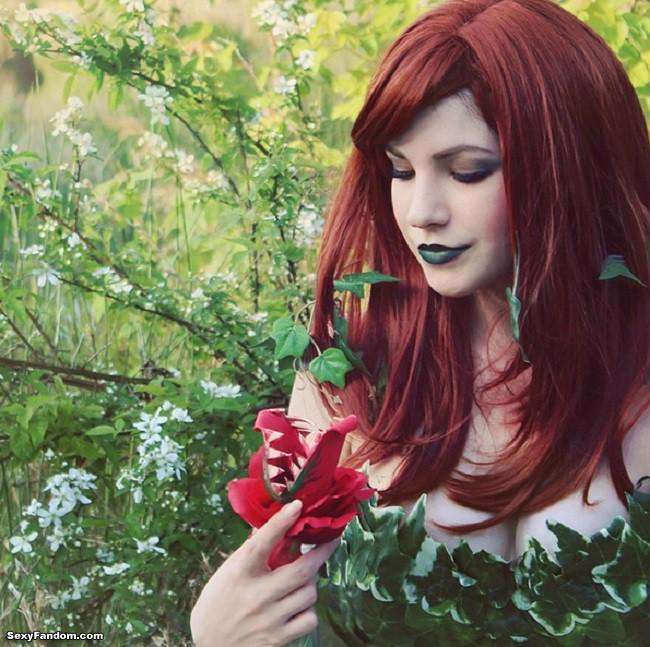 Toxic Beauty: Avant Geek's Poison Ivy Cosplay