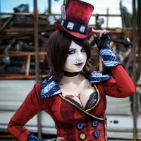 The Killer Looks of Andy Rae's Mad Moxxi Cosplay