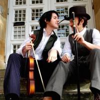 Sherlock Holmes and Dr. Watson Cosplay by Minzpyjama and Schokoschal