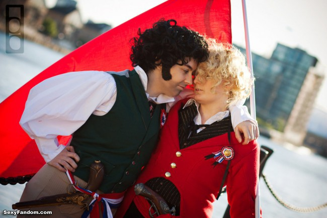 les_miserables_cosplay__enjolras_and_grantaire_by_goldenmochi-d67wuv5