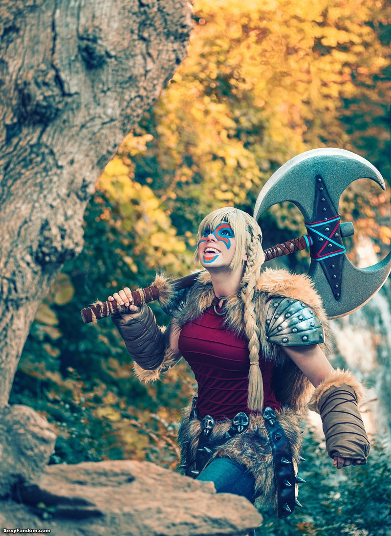 Tham's Astrid How To Train Your Dragon Cosplay