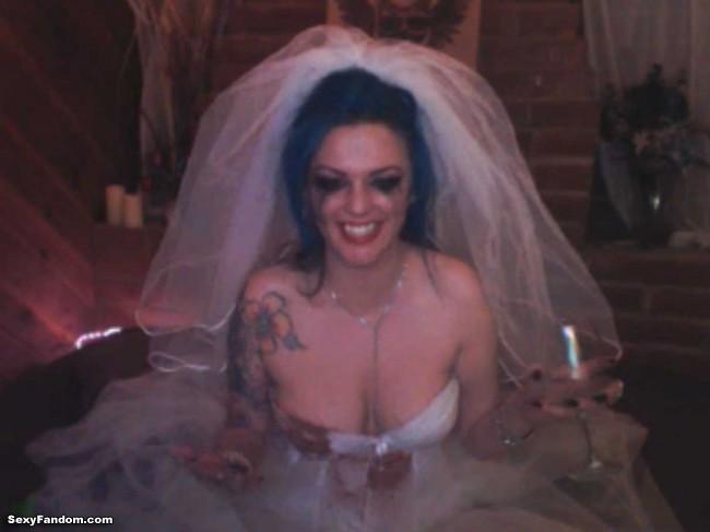 ophelia-vlad-bloody-bride-cam-004