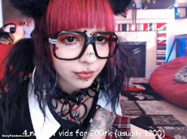 kota-morgue-schoolgirl-kitty-cat-cam-002