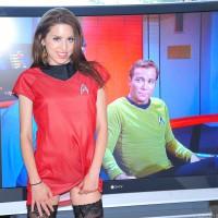 Sexy Lola Bares Her Hot Star Trek Fandom