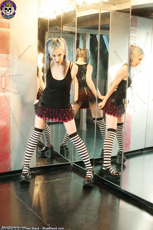 alecia-joy-mirror-schoolgirl-718