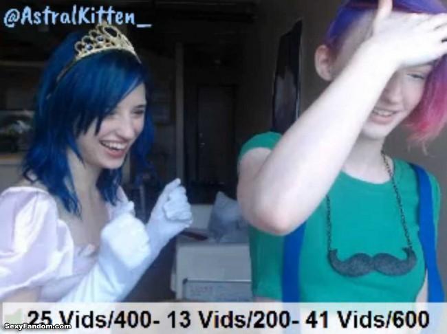 astral-kitten-snuggle-punk-mario-princess-peach-cam-002