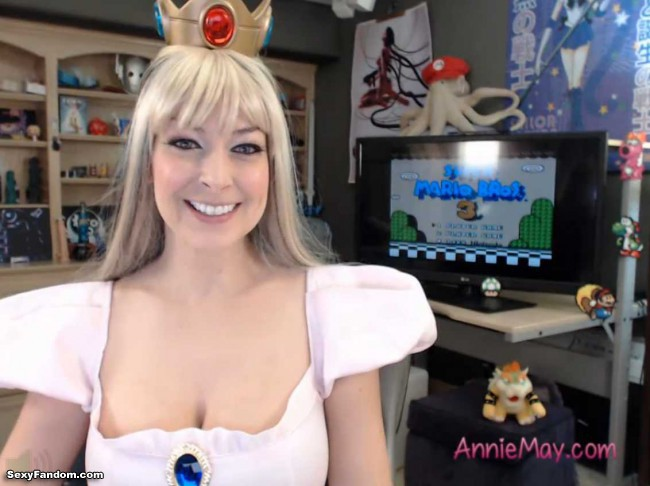 princess-peach-anime-annie-cam-004
