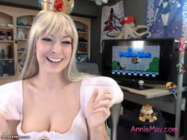 princess-peach-anime-annie-cam-006