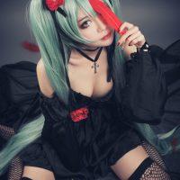 Beautifully Somber Hatsune Miku Cosplay by Gui Shu