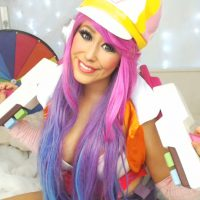 Pollyrocket_x is ready for a showdown as Arcade Miss Fortune.
