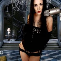 VeronicaChaos' Swaying Grace In Hot Morticia Cosplay
