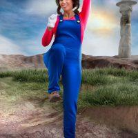 Liuna Cosplaying Super Mario