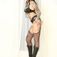 Leigh Raven stars as Queen Cindy