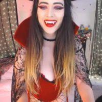 Vampire Vixen MightyEmelia Is Here To Suck Your Blood