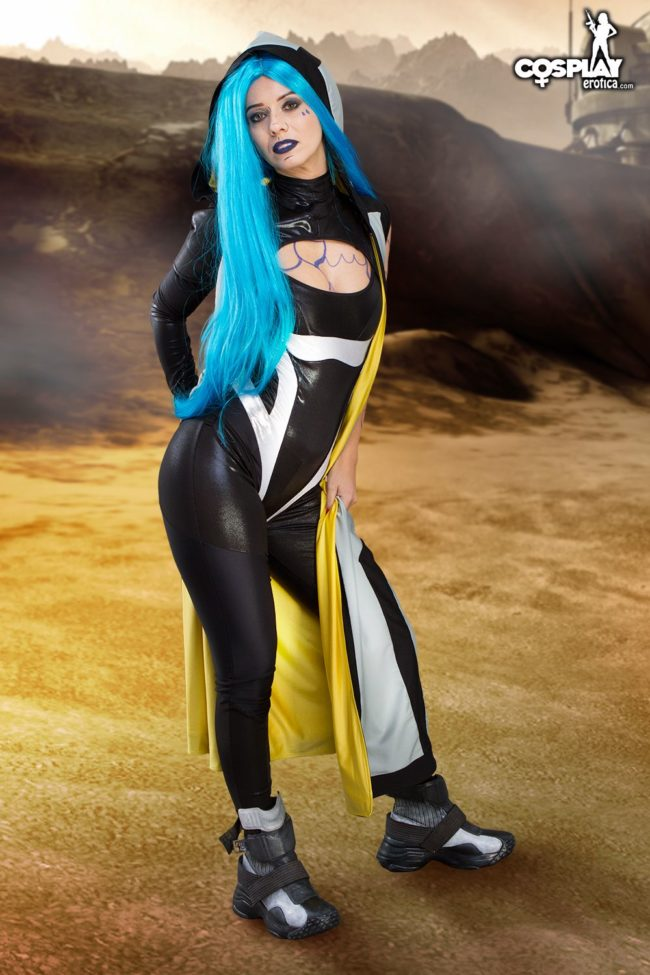 Cosplay Erotica's Vickie Brown Lets Out A Siren Call As Maya In Borderlands