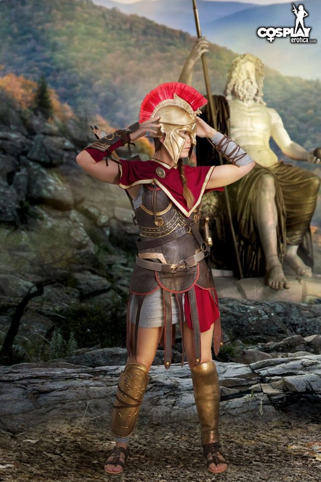 Cosplay Erotica's Gogo Masters The Art Of Stealth As Kassandra