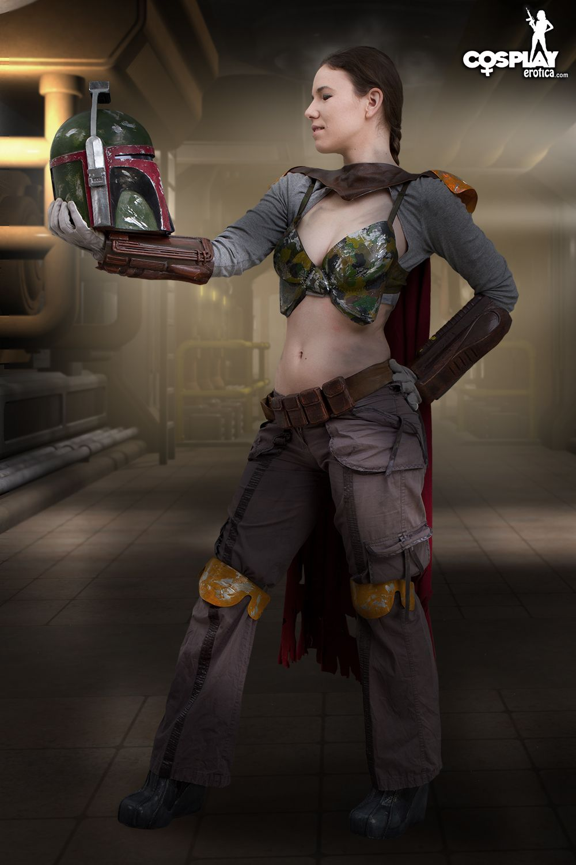 Cosplay Erotica's Cassie Dons Her Mandalorian Armor