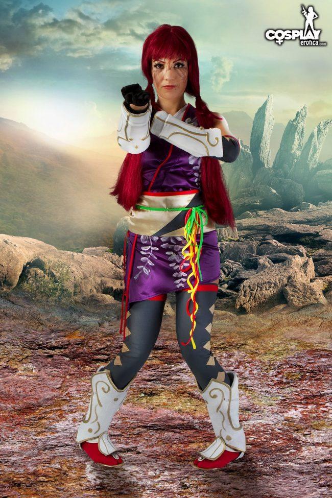 Cosplay Erotica's Devorah Takes Her Battle Stance As Kunimitsu