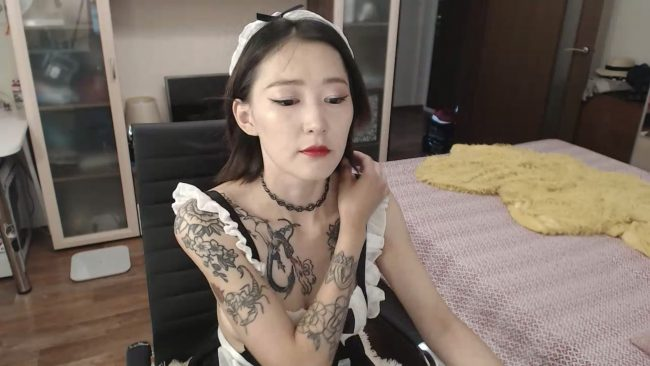 KellyAsian Is Maid For Being Cute