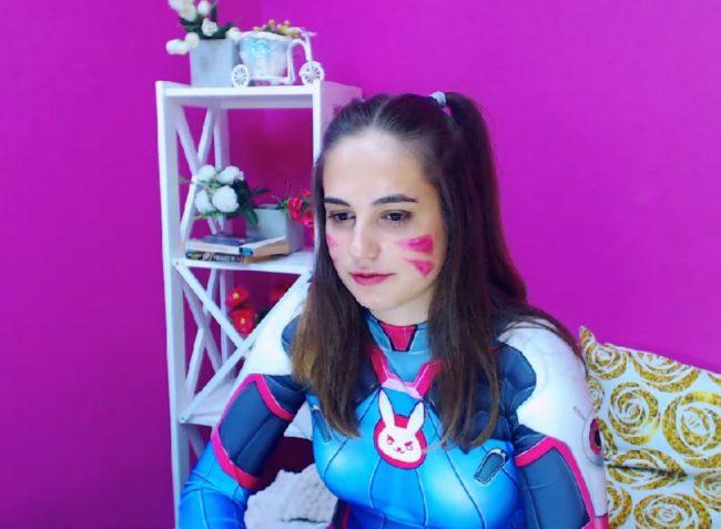 EvaSinU Puts On Her Battle Suit